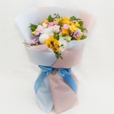 프리지아 계절 꽃다발